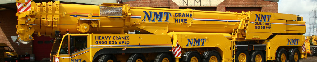 A picture of an AC 800 all terrain crane